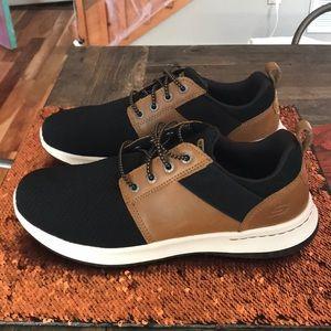 Men's sketchers dress tennis shoes size 9.5